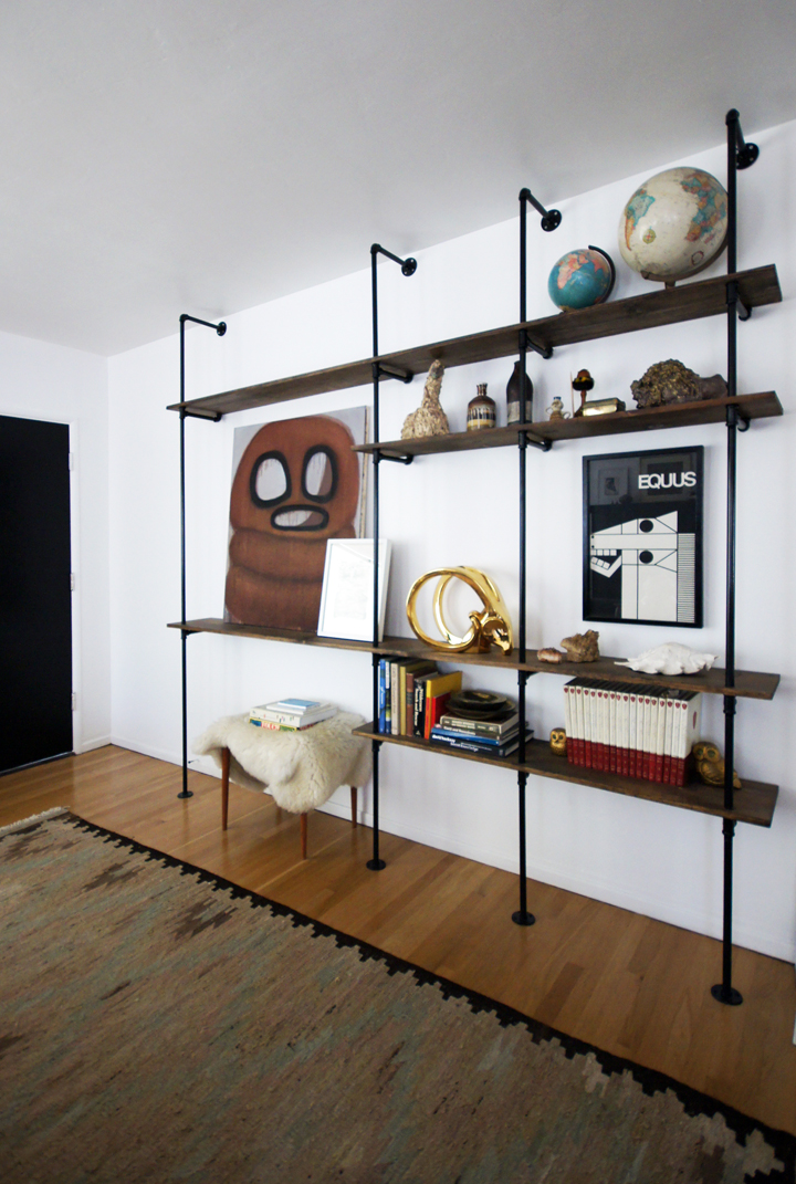 sns 77 is all about shelving funky junk. Black Bedroom Furniture Sets. Home Design Ideas