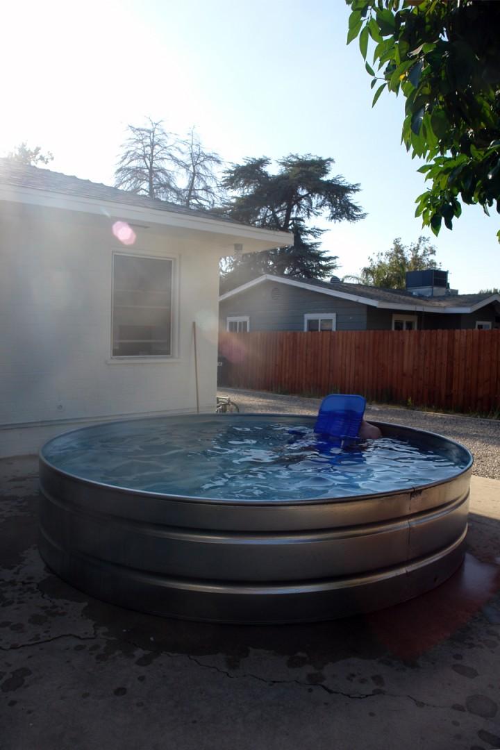 Brick house for Plastik pool rund