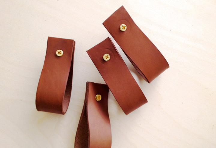 how to use gum tragacanth on leather